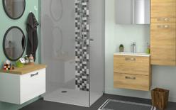 Une salle de bains pas cher belle et fonctionnelle - Meuble de salle de bain en bambou pas cher ...