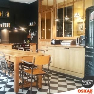 cuisine bistrot noire et bois ambiance chic et retro oskab. Black Bedroom Furniture Sets. Home Design Ideas