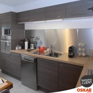 cuisine contemporaine bois fum d cor noyer accessoires inox oskab. Black Bedroom Furniture Sets. Home Design Ideas