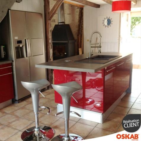 Cuisine rouge avec ilot central oskab - Ilot central cuisine avec evier ...