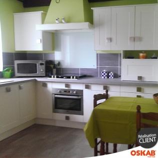 grande cuisine en u filipen ivoire et poign es carr es oskab. Black Bedroom Furniture Sets. Home Design Ideas