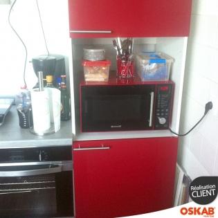 Petite cuisine fonctionnelle rouge brillante oskab for Petite cuisine rouge
