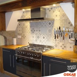 renovation cuisine maison pyreneenne melange moderne et rustique oskab. Black Bedroom Furniture Sets. Home Design Ideas